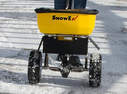 salt spreader on wheels that you push
